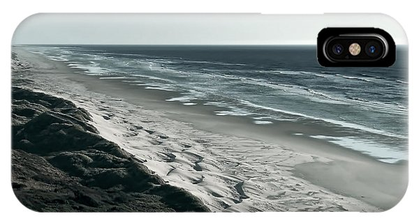 Oregon Sand Dunes iPhone Case - Endless Sand Dune Beach - Southern Oregon by Daniel Hagerman