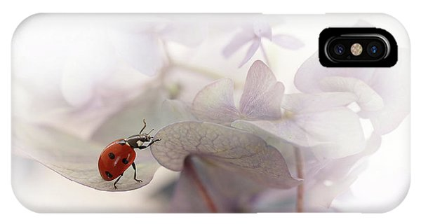 Macro iPhone Case - Exercise by Ellen Van Deelen