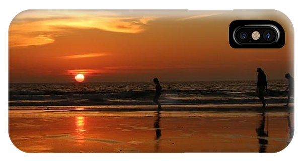 Family Reflections At Sunset - 5 IPhone Case
