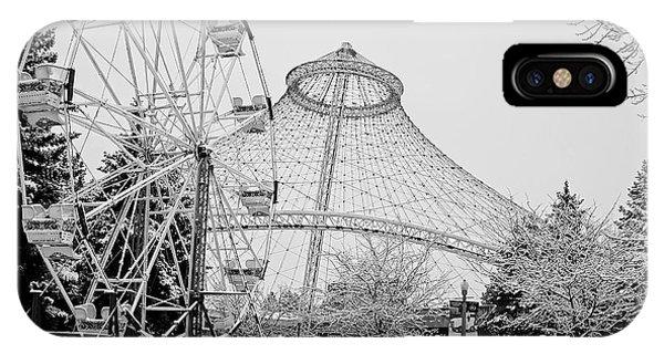 Smoothie iPhone Case - Ferris Wheel And R F P Pavilion - Spokane Washington by Daniel Hagerman