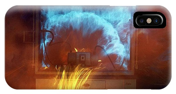 Flammable iPhone Case - Flame-proof Equipment Test by Crown Copyright/health & Safety Laboratory Science Photo Library