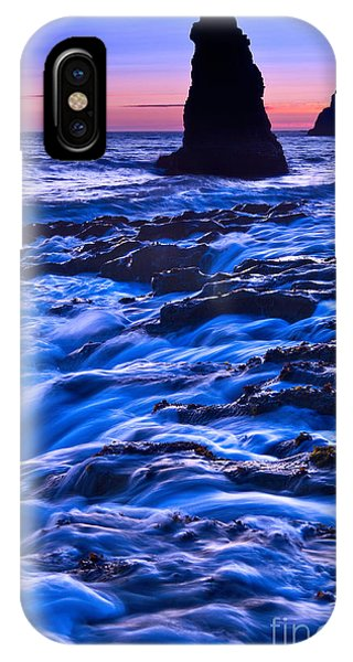 Flow - Dramatic Sunset View Of A Sea Stack In Davenport Beach Santa Cruz. IPhone Case