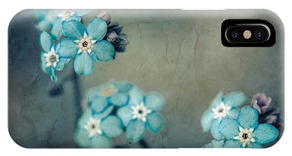 Forget Me Not 01 - S22dt06 IPhone Case
