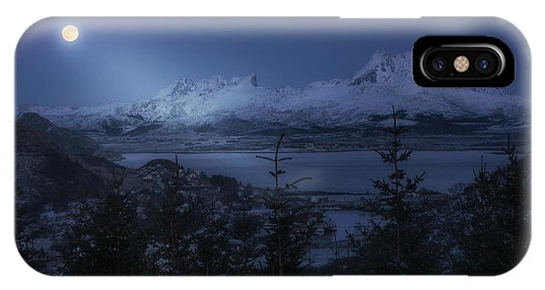 Full Moon iPhone Case - Full Moon by David Mart?n Cast?n