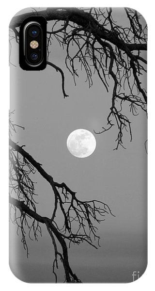 Full Moon Old Snag IPhone Case