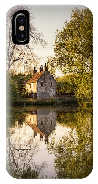 Sun Set iPhone Case - Game Keepers Cottage Cusworth by Ian Barber