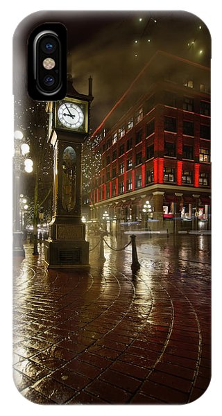 Gastown Steam Clock On A Rainy Night Vertical IPhone Case