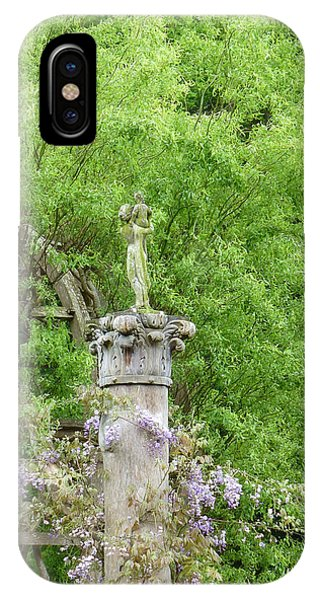 Gazebo In The Maze At Chenonceau IPhone Case