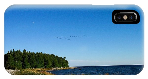 Geese Over Cana Island Phone Case by Pamela Schreckengost