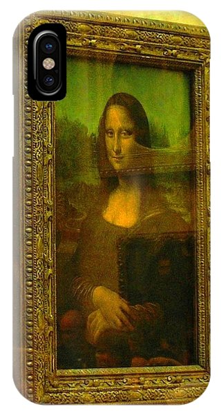 Glance At Mona Lisa IPhone Case