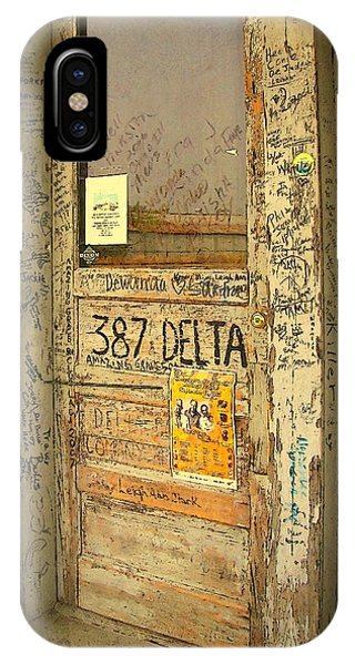 Graffiti Door - Ground Zero Blues Club Ms Delta IPhone Case