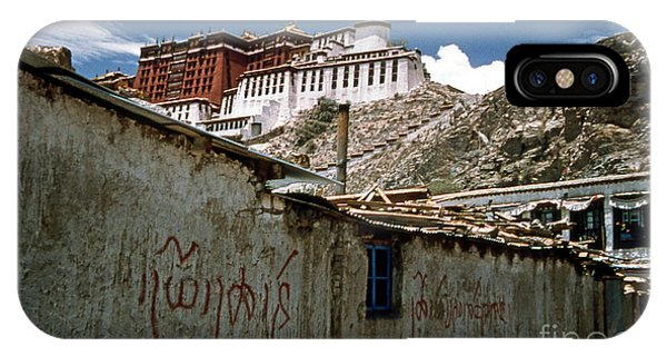 Graffiti In Lhasa Phone Case by Scott Shaw