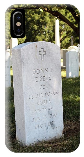 Naval Academy iPhone Case - Grave Of Donn Eisele by Peter Bassett/science Photo Library