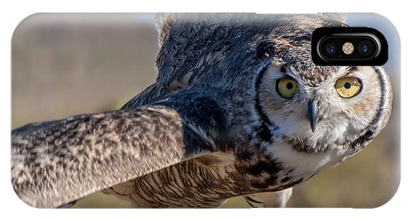Great Horned Owl In Flight - Coming At-cha IPhone Case