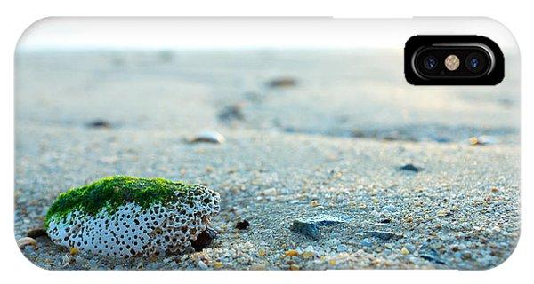 Green Algae Rock Phone Case by Wei Kuan Tay