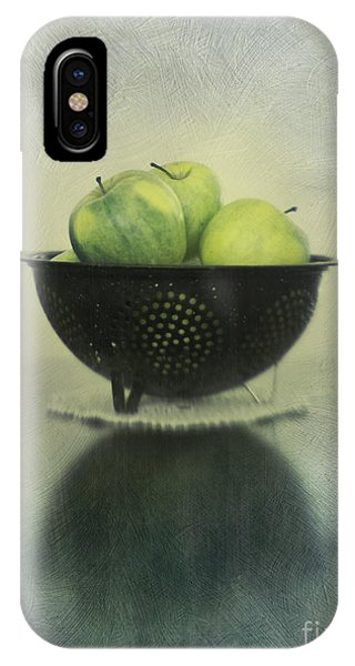 Still Life iPhone X Case - Green Apples In An Old Enamel Colander by Priska Wettstein