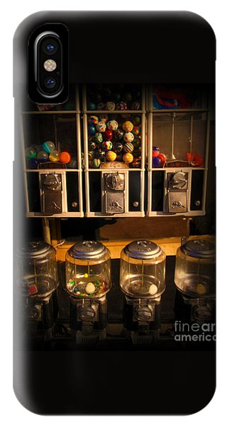 Gumball Memories - Row Of Antique Vintage Vending Machines - Iconic New York City IPhone Case