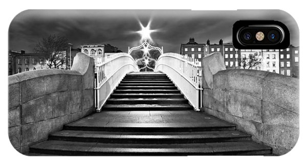 Ha'penny Bridge Steps At Night - Dublin - Black And White IPhone Case