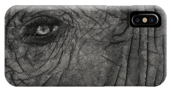 Haunting Eye IPhone Case