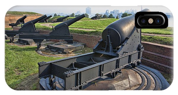 Heavy Cannon At Fort Mchenry In Baltimore Maryland Phone Case by William Kuta