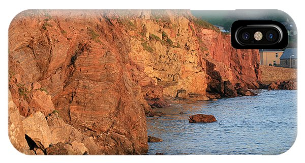 IPhone Case featuring the photograph Hope Cove by Susan Leonard