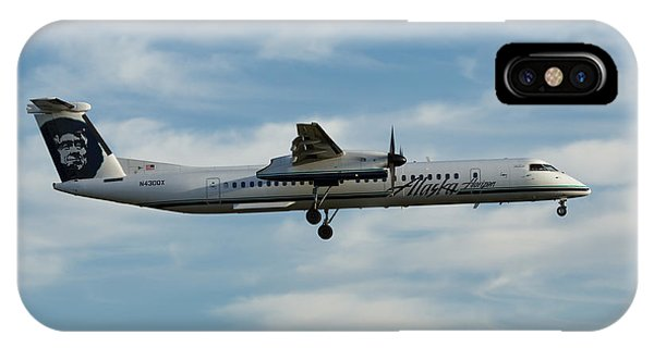 Horizon Airlines Q-400 Approach IPhone Case