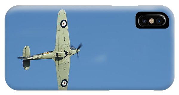 Hurricane In Action Phone Case by Donald Turner