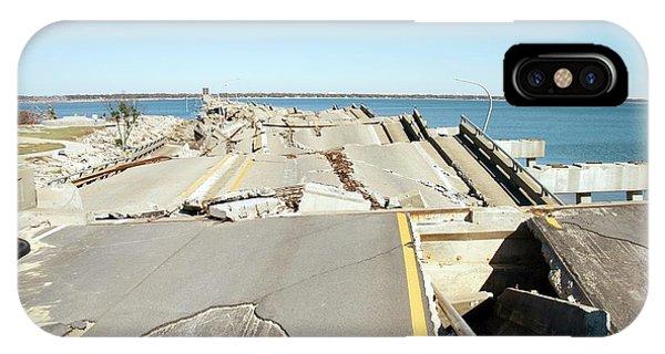 Katrina iPhone Case - Hurricane Katrina Damage by Jim Edds/science Photo Library