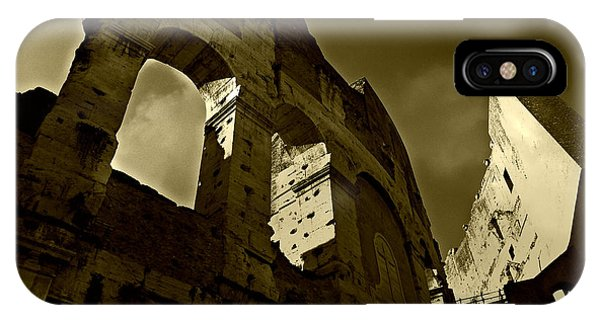 Il Colosseo IPhone Case