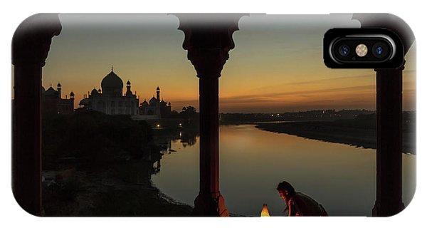 Dome iPhone Case - Illuminating The Taj by Thomas Siegel