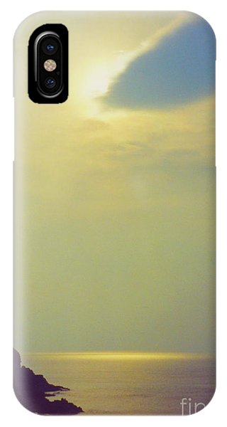 Ireland Giant's Causeway Ethereal Light IPhone Case