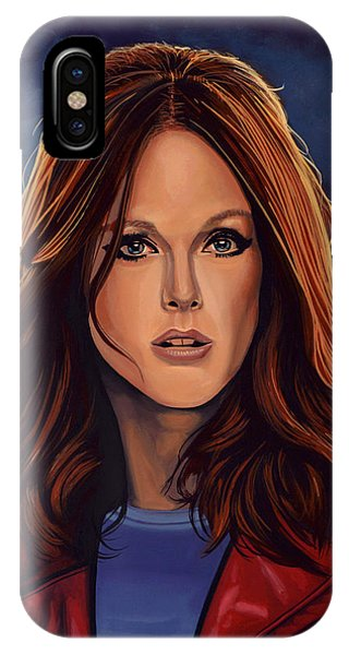 Julianne Moore IPhone Case