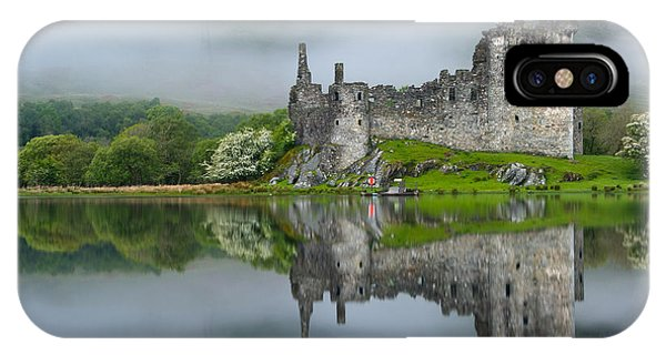 Kilchurn Castle At Dawn Phone Case by David Ross