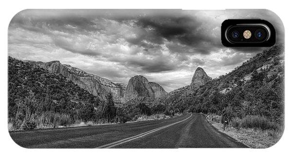 Kolob Canyon Black And White IPhone Case