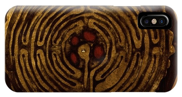 Labyrinthe IPhone Case
