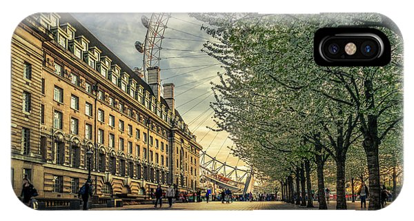 London Eye iPhone Case - Last Daylights At The London Eye by Nader El Assy