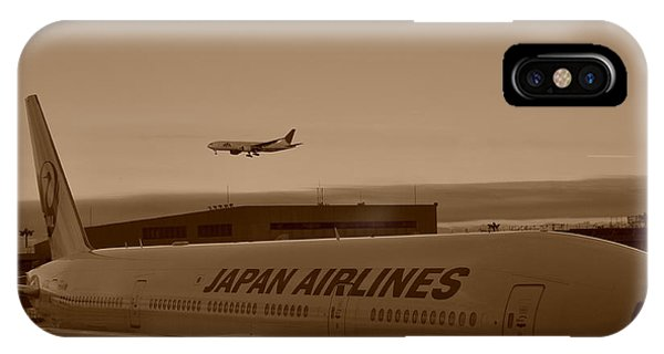 Leaving Japan IPhone Case