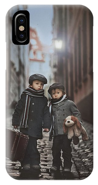 Les Misa?rables IPhone Case