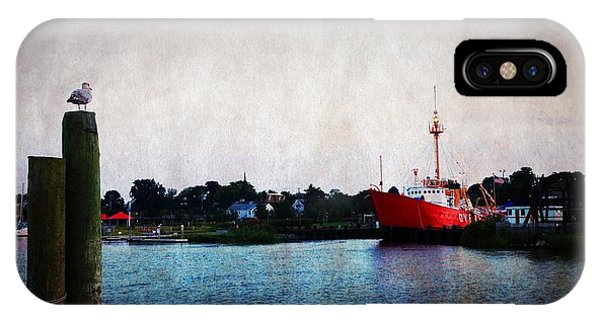IPhone Case featuring the photograph Lewes - Overfalls Lightship 2 by Richard Reeve