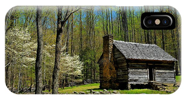 Log Cabin In The Smoky Mountain National Park IPhone Case