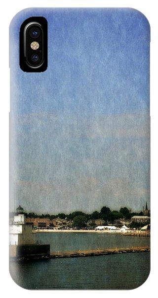 Manitowoc Breakwater Light 2.0 IPhone Case