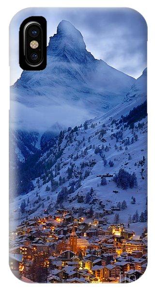 Twilight iPhone Case - Matterhorn At Twilight by Brian Jannsen
