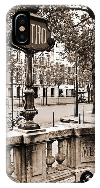 Metro Franklin Roosevelt - Paris - Vintage Sign And Streets IPhone Case
