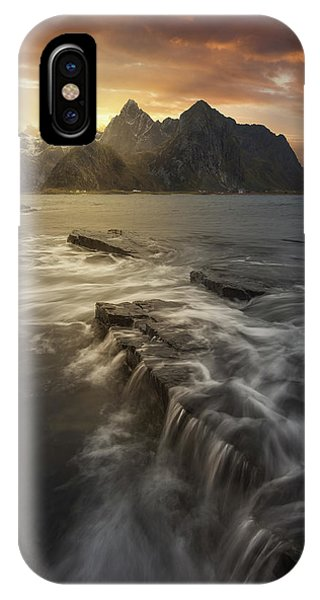 Flow iPhone Case - Midnight Sun II by David Mart?n Cast?n