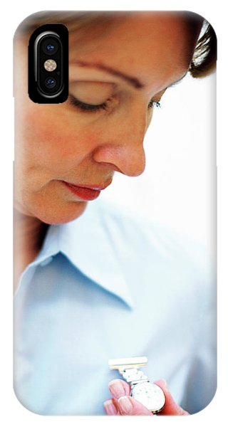 Midwife Phone Case by Ian Hooton/science Photo Library