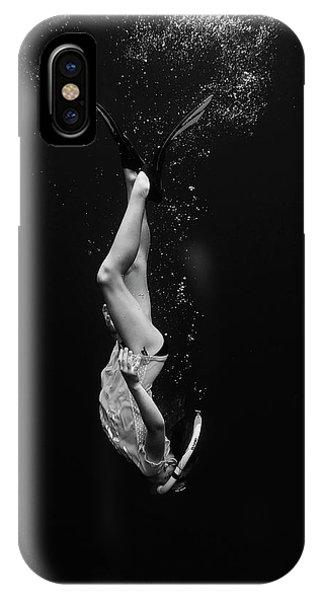 Dive iPhone Case - Mika by Martina Dimunov??