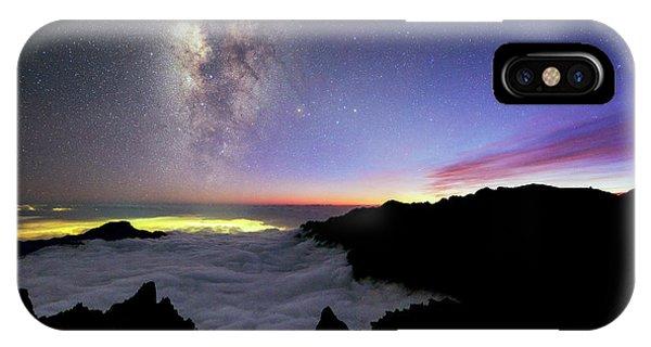 Milky Way Above La Palma Phone Case by Babak Tafreshi