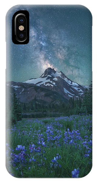 Milky Way Above Mt. Jefferson IPhone Case