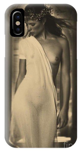 Model Nola 2 IPhone Case