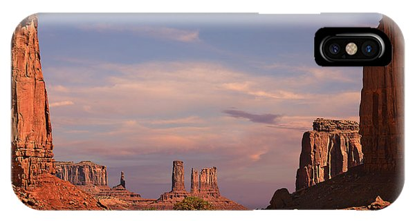 Monument Valley - Mars-like Terrain IPhone Case